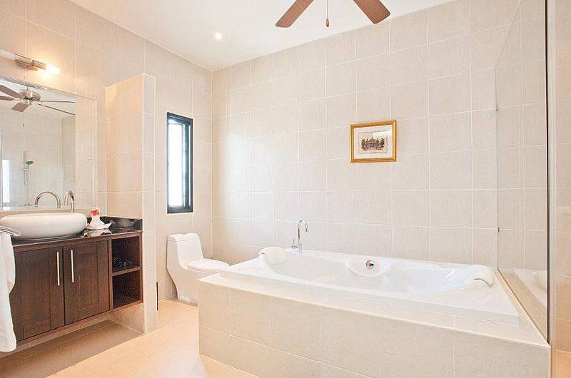 Villa Waew Opal En-suite Bathroom   Phuket, Thailand