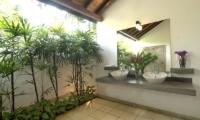 Coconut Grove Bathroom | Koggala, Sri Lanka