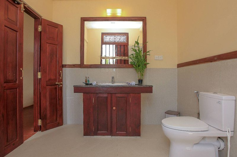 South Point Ocean Bathroom | Galle, Sri Lanka