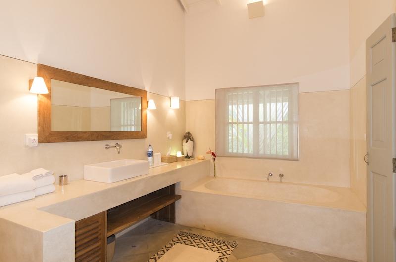 Suriyawatta Bathroom Two | Weligama, Sri Lanka