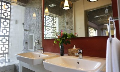 Talalla House His and Hers Bathroom   Dickwella, Sri Lanka