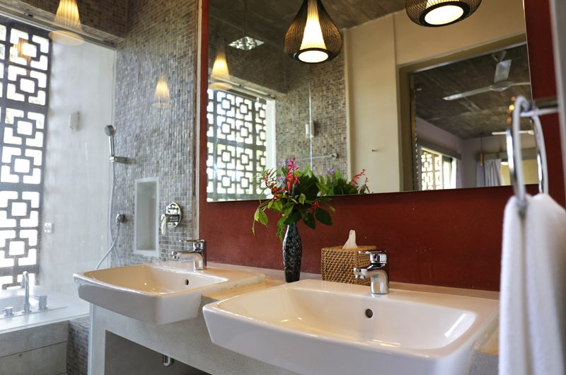 Talalla House His and Hers Bathroom | Dickwella, Sri Lanka