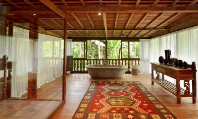 Villa Nag Shampa En-suite Bathroom One | Ubud Payangan, Bali