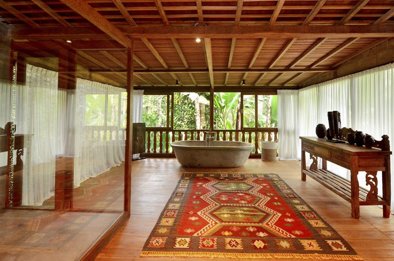Villa Nag Shampa En-suite Bathroom One | Ubud Payangan, Bali
