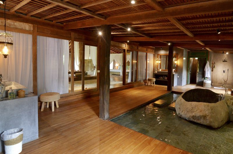 Villa Nag Shampa En-suite Bathroom Three | Ubud Payangan, Bali