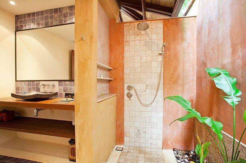 Villa Serena En-suite Bathroom | Koh Lanta, Thailand