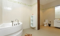 Jomtien Waree 8 Bathroom | Pattaya, Thailand