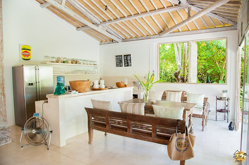 Santai Beach House Dining Area | Canggu, Bali