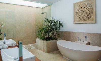 The Palm House En-suite Bathroom   Canggu, Bali