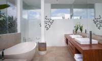 The Palm House Bathroom | Canggu, Bali