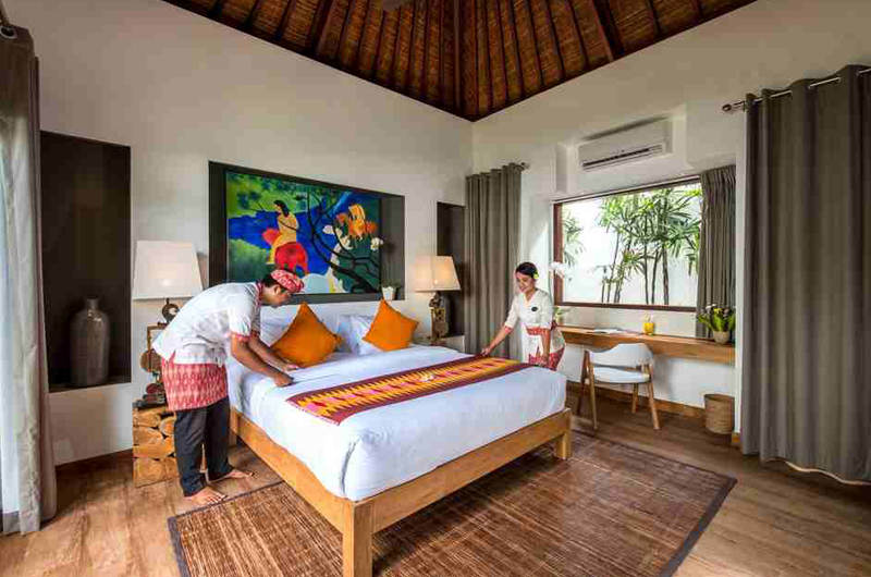 Villa Anam Bedroom with Wooden Floor | Seminyak, Bali