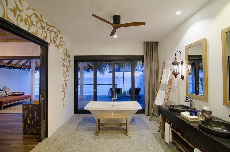 Finolhu Lagoon Villa Bathroom | Baa Atoll, Maldives