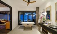 Finolhu Ocean Pool Villa Bathroom | Baa Atoll, Maldives