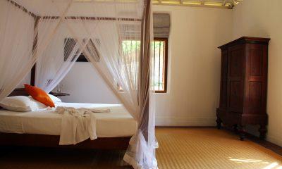 Lassana Kanda Four Poster Bedroom with Wardrobe | Galle, Sri Lanka