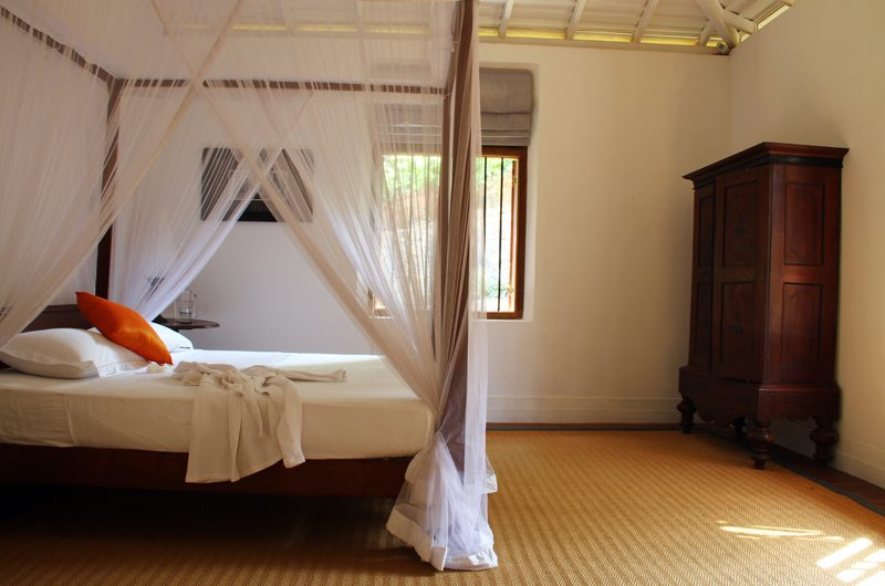 Lassana Kanda Four Poster Bedroom with Wardrobe | Galle, Sri Lanka