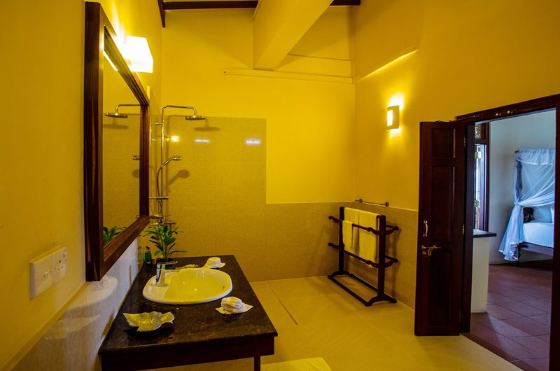 South Point Ocean Bedroom and Bathroom | Galle, Sri Lanka