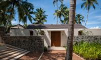 Villa Serendipity Entrance Area | Koggala, Sri Lanka