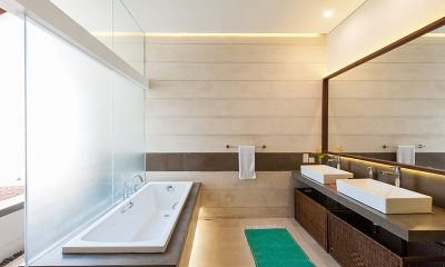 Villa Serendipity Bathroom with Bathtub | Koggala, Sri Lanka