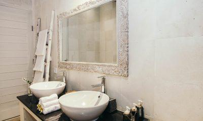 Escape En-suite Bathroom | Nusa Lembongan, Bali