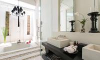 Villa Michaela En-suite Bathroom   Koh Samui, Thailand