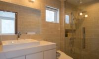 Chalet Luma En-suite Bathroom | Hirafu, Niseko