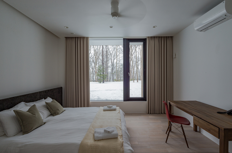 Yanagi House Master Bedroom | Hokkaido, Niseko