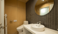 Yorokobi Lodge Bathroom | Hirafu, Niseko