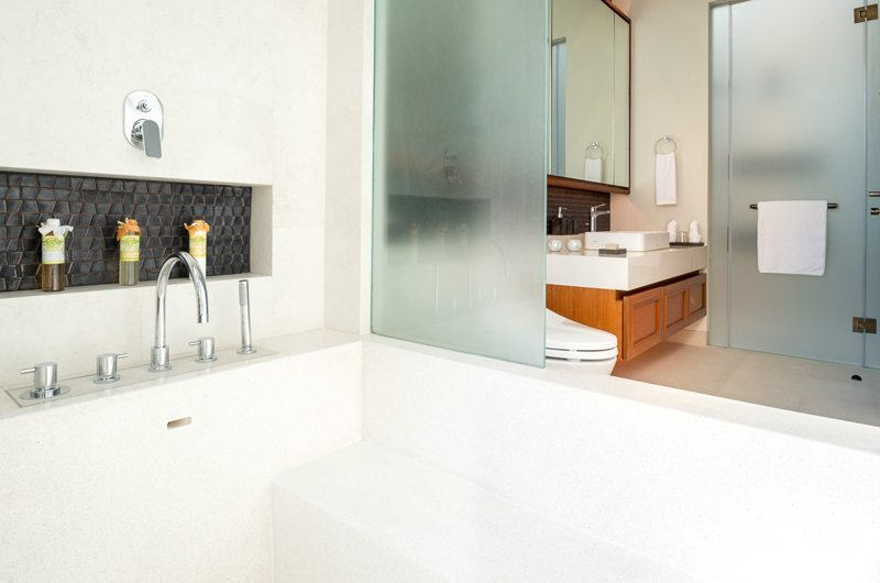 The Aquila En-suite Bathroom | Phuket, Thailand
