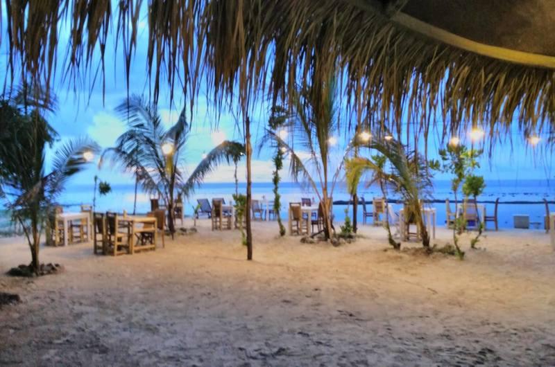 Adeng Adeng Beach Bar Gili Meno Lombok