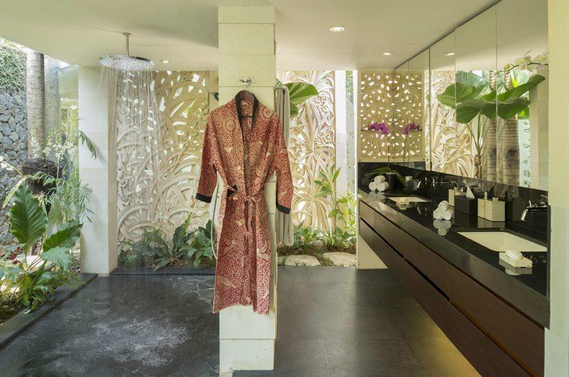 Uma Wana Prasta Bathroom   Canggu, Bali