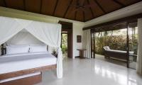 Villa Ambar Spacious Bedroom | Ungasan, Bali