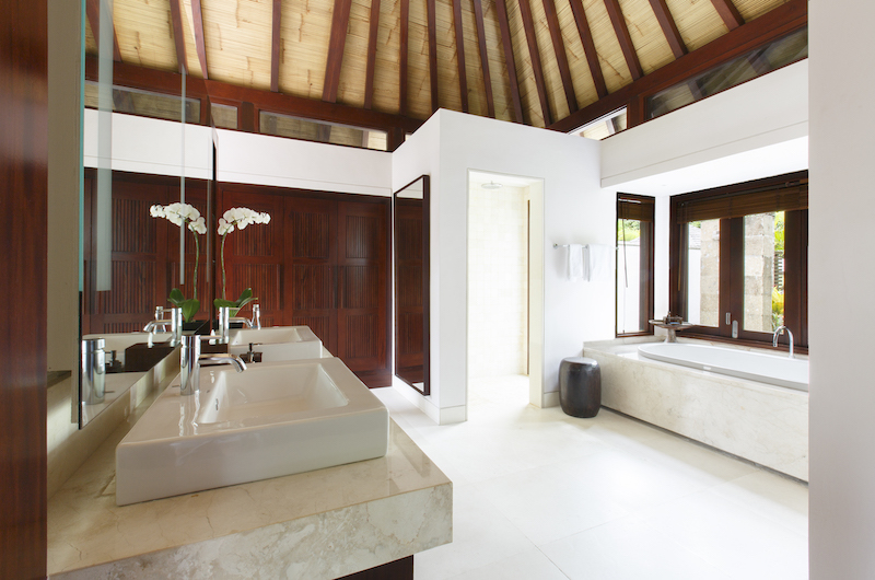 Villa Chintamani Bathroom | Ungasan, Bali