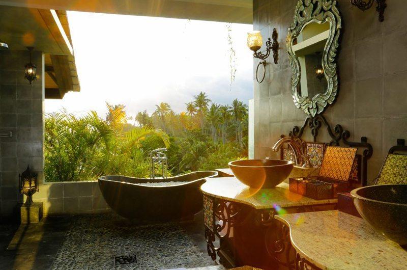 Villa Delmara En-suite Bathroom   Tabanan, Bali