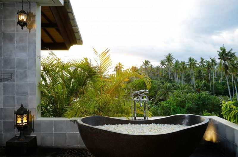 Villa Delmara Bathtub | Tabanan, Bali