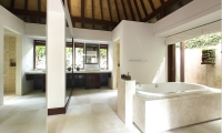 Villa Nora Bathtub | Ungasan, Bali