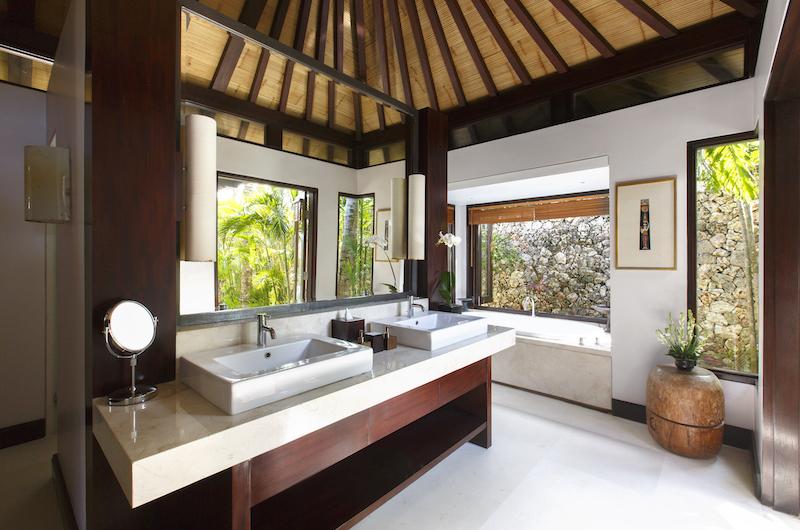 Villa Pawana Bathroom Area | Ungasan, Bali