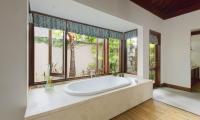Villa Santai Sorga Bathtub Area | Ungasan, Bali