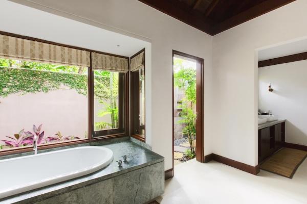 Villa Santai Sorga Bathtub | Ungasan, Bali