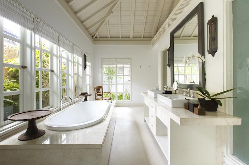 Villa Tamarama Bathroom One   Ungasan, Bali