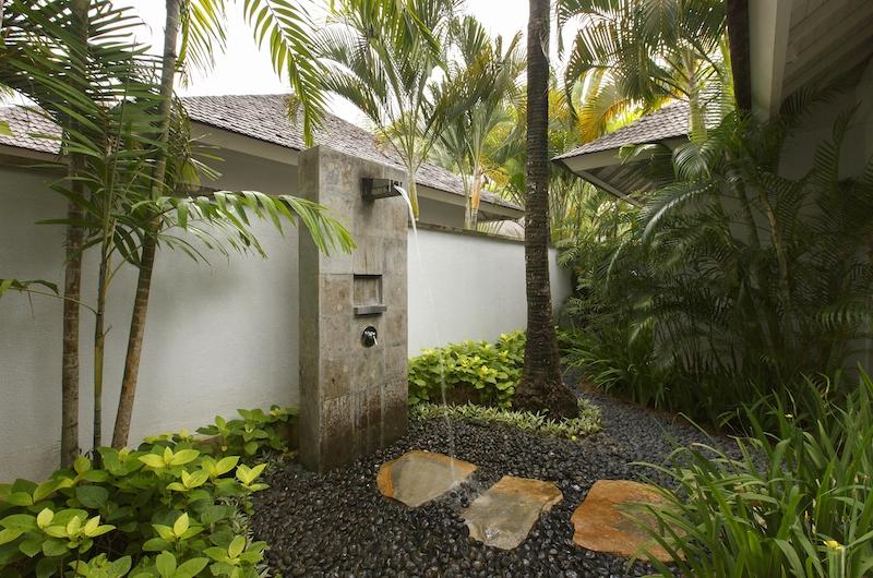 Villa Tamarama Outdoor Shower   Ungasan, Bali