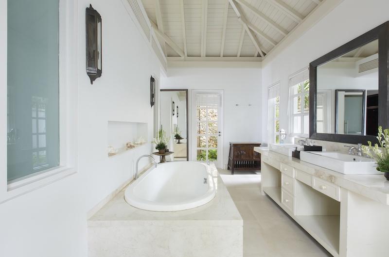 Villa Tamarama Bathroom Area   Ungasan, Bali