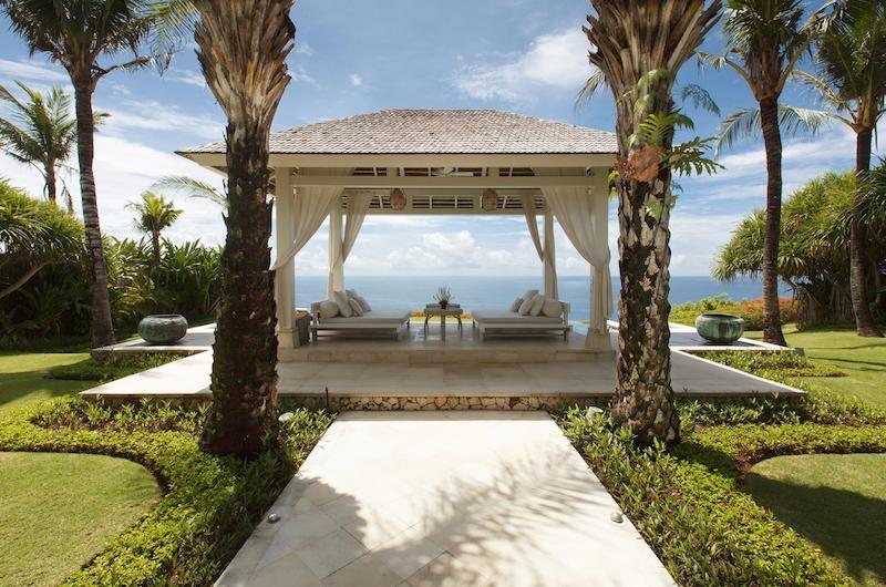 Villa Tamarama Bale   Ungasan, Bali
