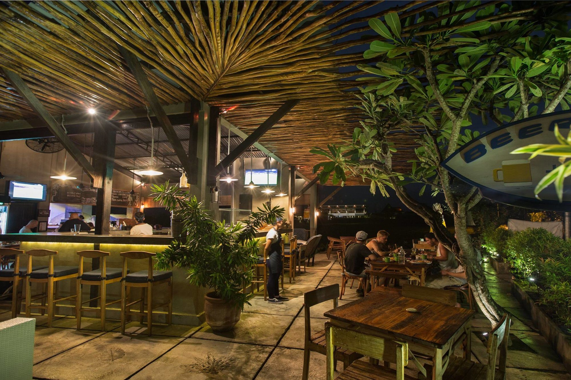 Where to Have a Sunset Cocktail in Pererenan?