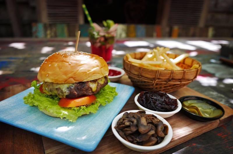 Biku Restaurant Petitenget Bali