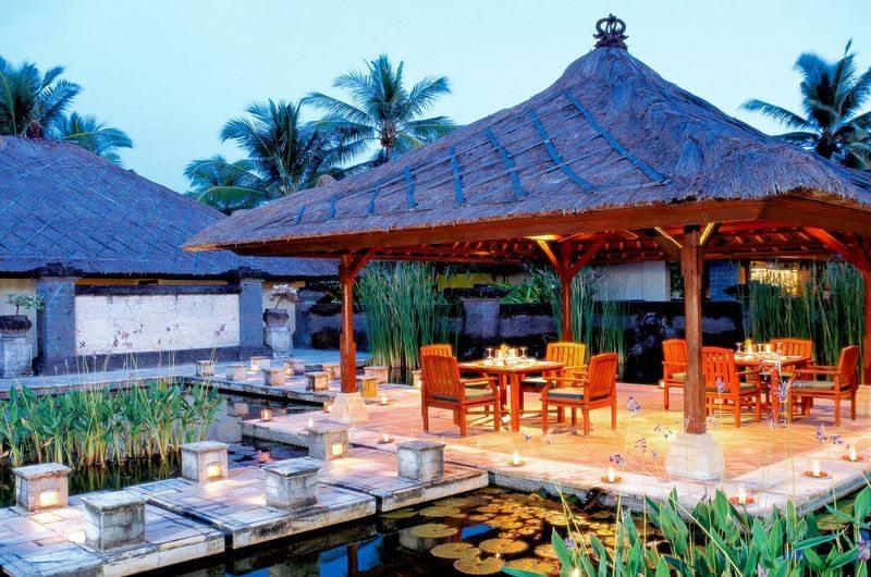 Driftwood Restaurant Seseh Bali