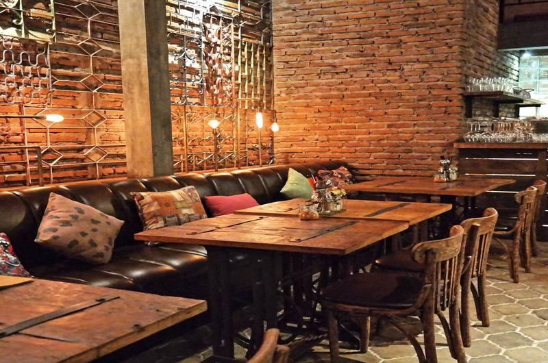 Fat Chow - Restaurants in Jimbaran, Bali