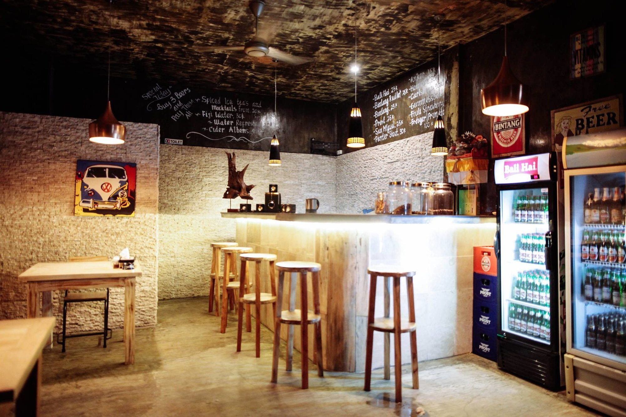 8 Cool Bars in Jimbaran