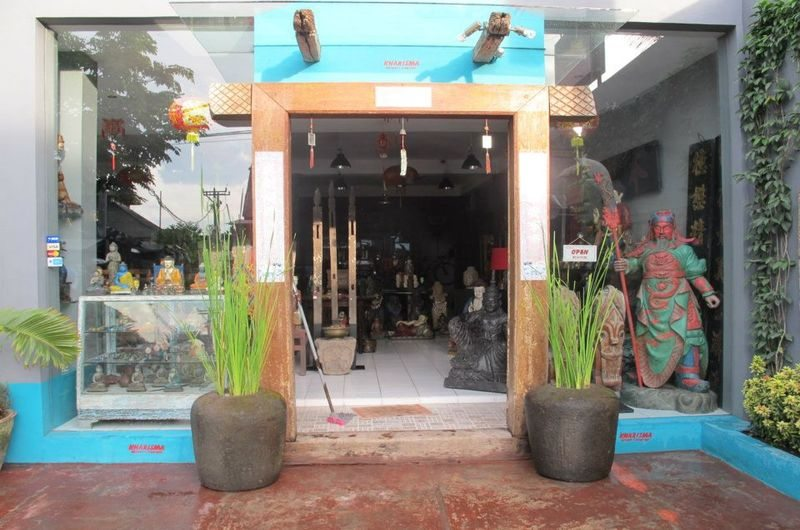 Kharisma Shop - shopping in Kerobokan, Bali