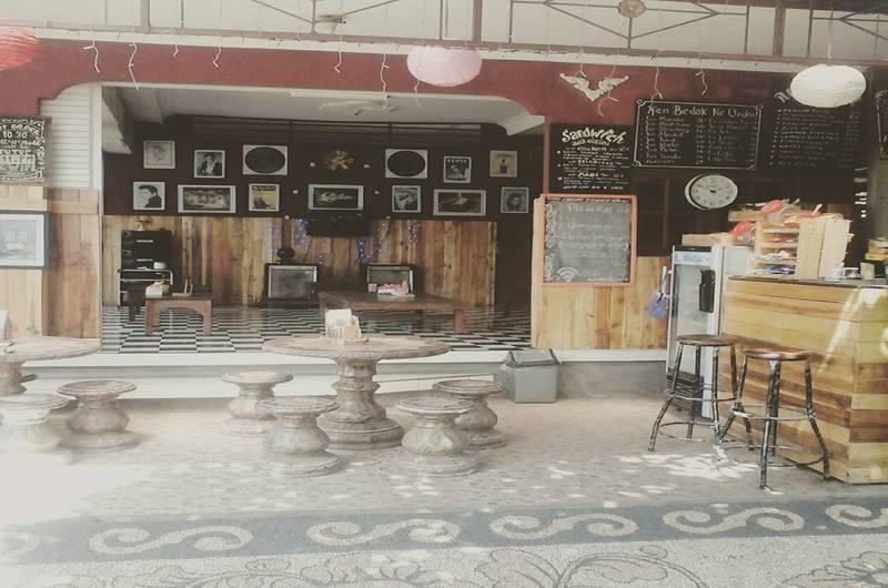 Rock N Roll Food Corner Klungkung Bali