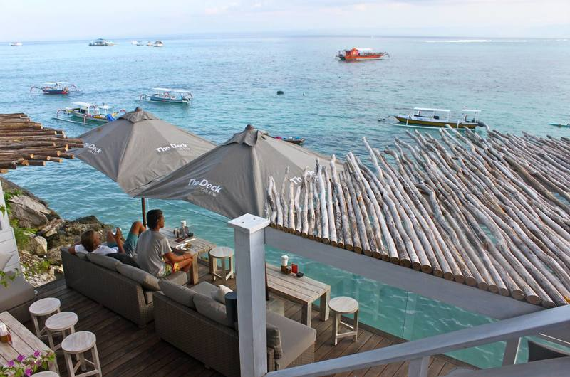 The Deck Cafe and Bar - restaurants in Nusa Lembongan, Bali
